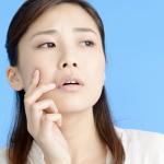なぜ肌は乾燥するの?おすすめ保湿アイテム5選も紹介